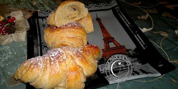 Croissant integrale con lievito madre (ricetta e tutorial fotografico)