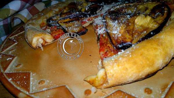 Pizza_bordi_pieni.jpg