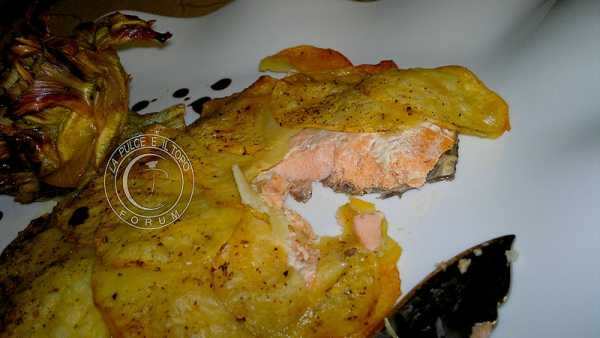 salmone_in_crosta_di_patate.jpg
