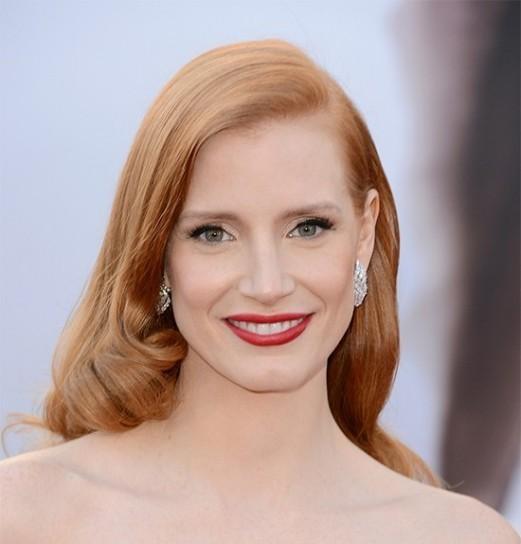 rosso-chiaro-e-luminoso-per-i-capelli-per-lestate-2013.jpg